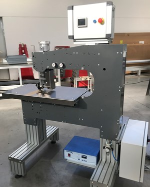 SM-200-SA ultrasonic welder